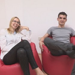 Alma y Alberto, novios desde hace mas de 11 años y ahora quieren probar el mundo liberal